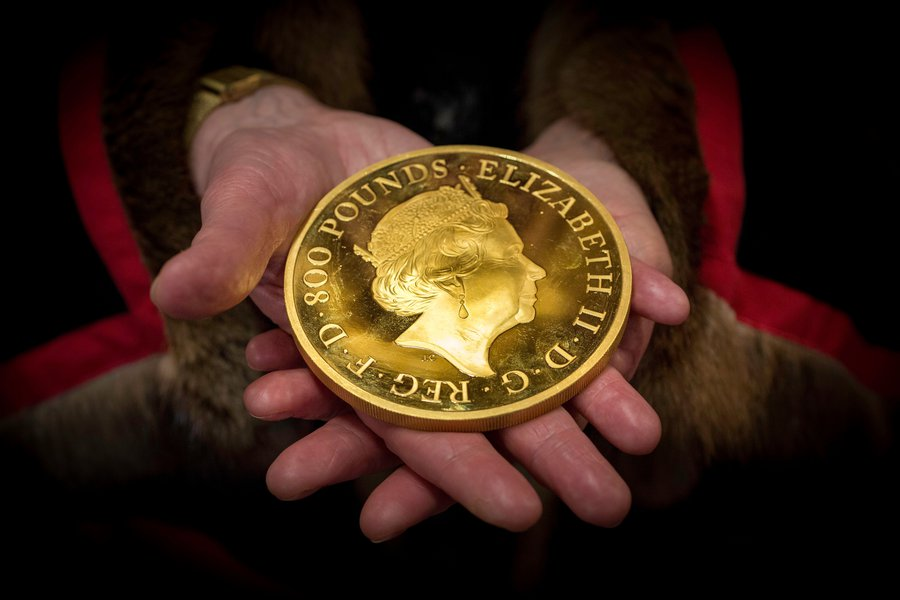 £800 Gold 'Britannia' Coin at the Trial of the Pyx 2018. Image © The Goldsmiths' Company. Photography by Richard Lea-Hair