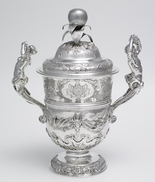 Cup and cover, 1736/37 by Charles Frederick Kandler (d. 1778) ©The Holburne Museum / Tony Gilbert Photography