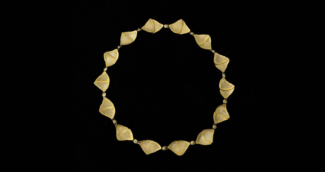 Necklace, 2012, by Catherine Martin. 18ct gold and platinum