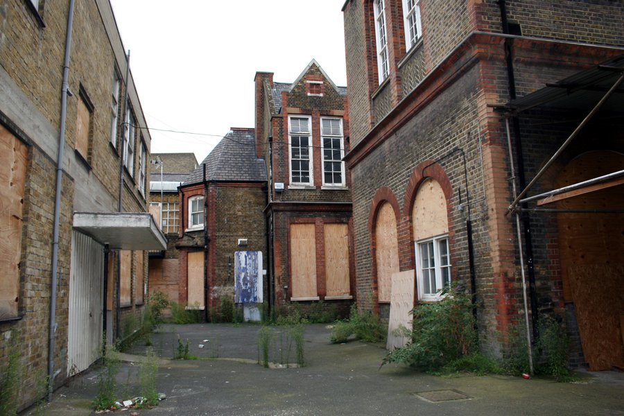 The Goldsmiths' Centre ahead of construction work, 2004