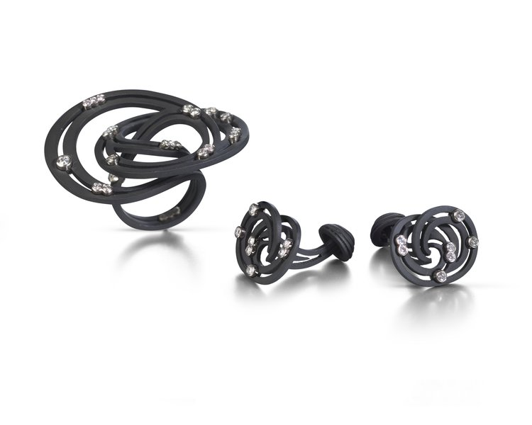 Annabel Ely, Black Carbon Coated Titanium Set