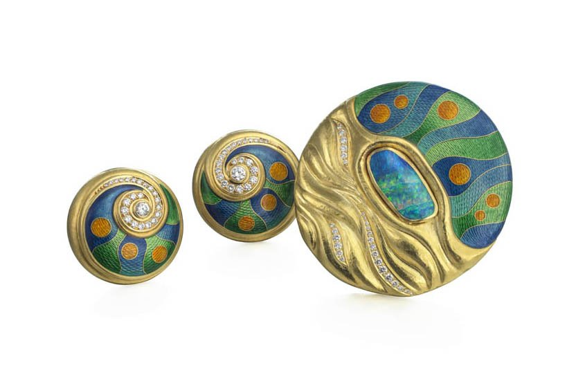Diamond and cloisonné enamel brooch and earclips, De Vroomen. Image courtesy of De Vroomen, Photography by Richard Valencia